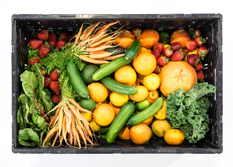 Les graisses saines ressemblent aux fruits et légumes: huile de noix de coco, huile de palme rouge