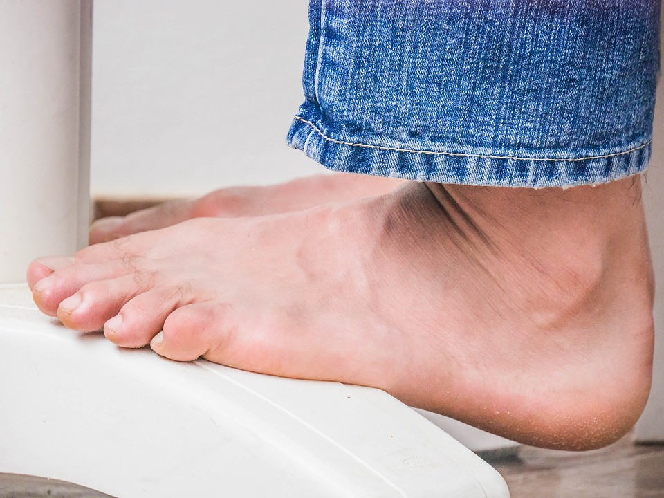 Gout or acute inflammatory arthritis due to a Western lifestyle