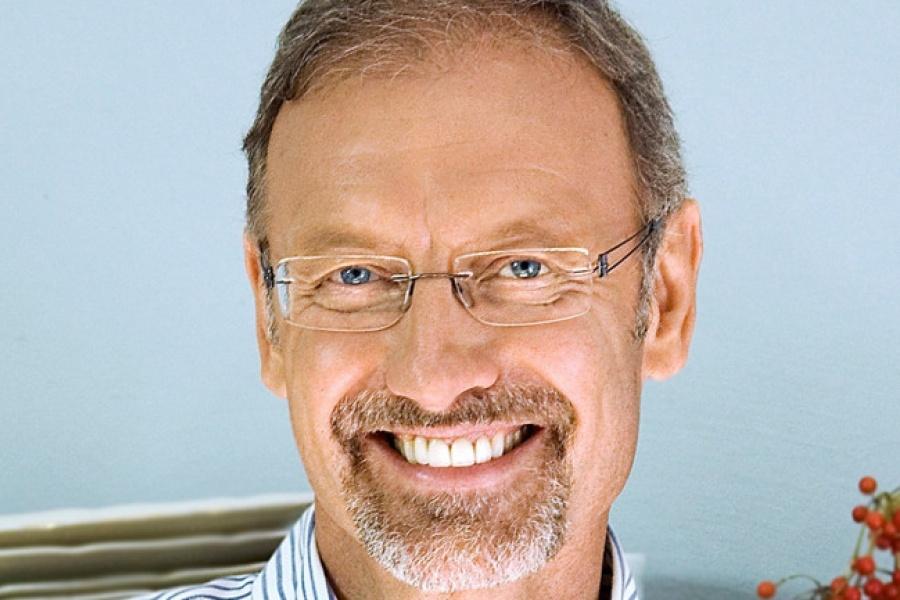 """Der Arzt William Cortvriendt, Autor des Buches """"Krebsfrei"""", sieht die Keto-Ernährung sehr positiv."""