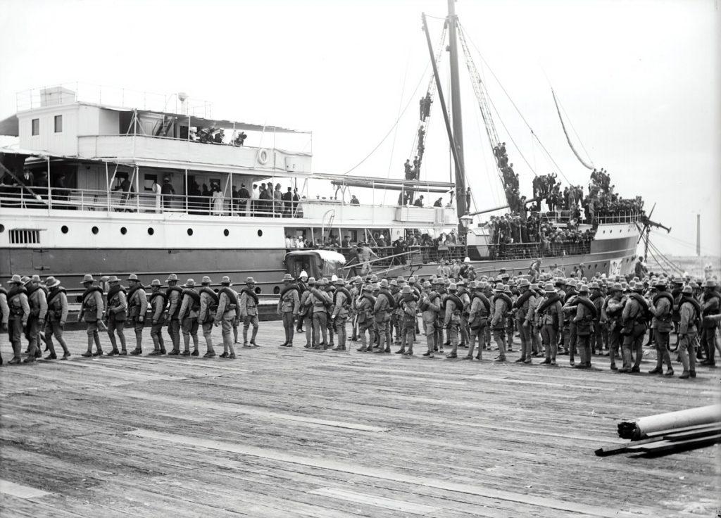 Scorbut dû à une carence en vitamine C. La carence en vitamine C a coûté la vie à au moins 2 millions de marins et de nombreux soldats.